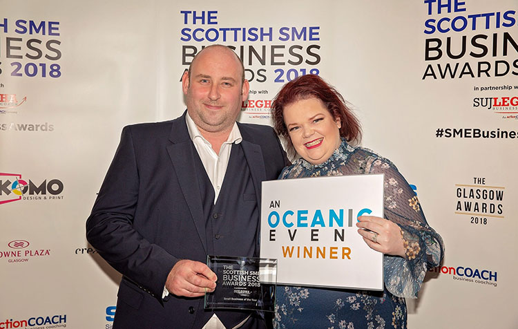 STIRLING BUILDING FIRM WINS TOP BUSINESS AWARD